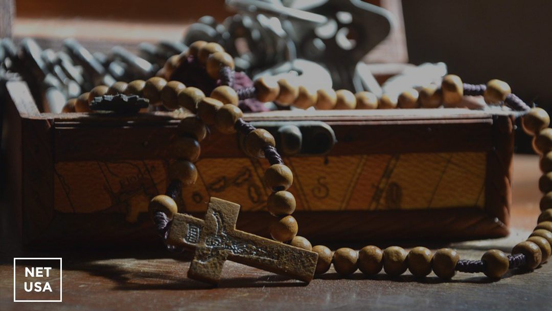 How to consecrate yourself to Jesus through Mary (and why!)